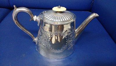26英國鍍銀茶壺 Antique silver plate tea pot