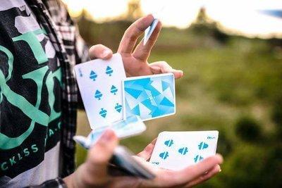 [魔術魂道具Shop] 冰封牌~~Frostbite Playing Cards by Sam Wheeler