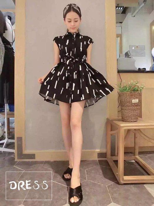 洋裝【TLS013】削肩白條黑洋裝 當季新品 正韓連線 連身裙 短裙 牛仔裙 修身顥瘦 收納女王