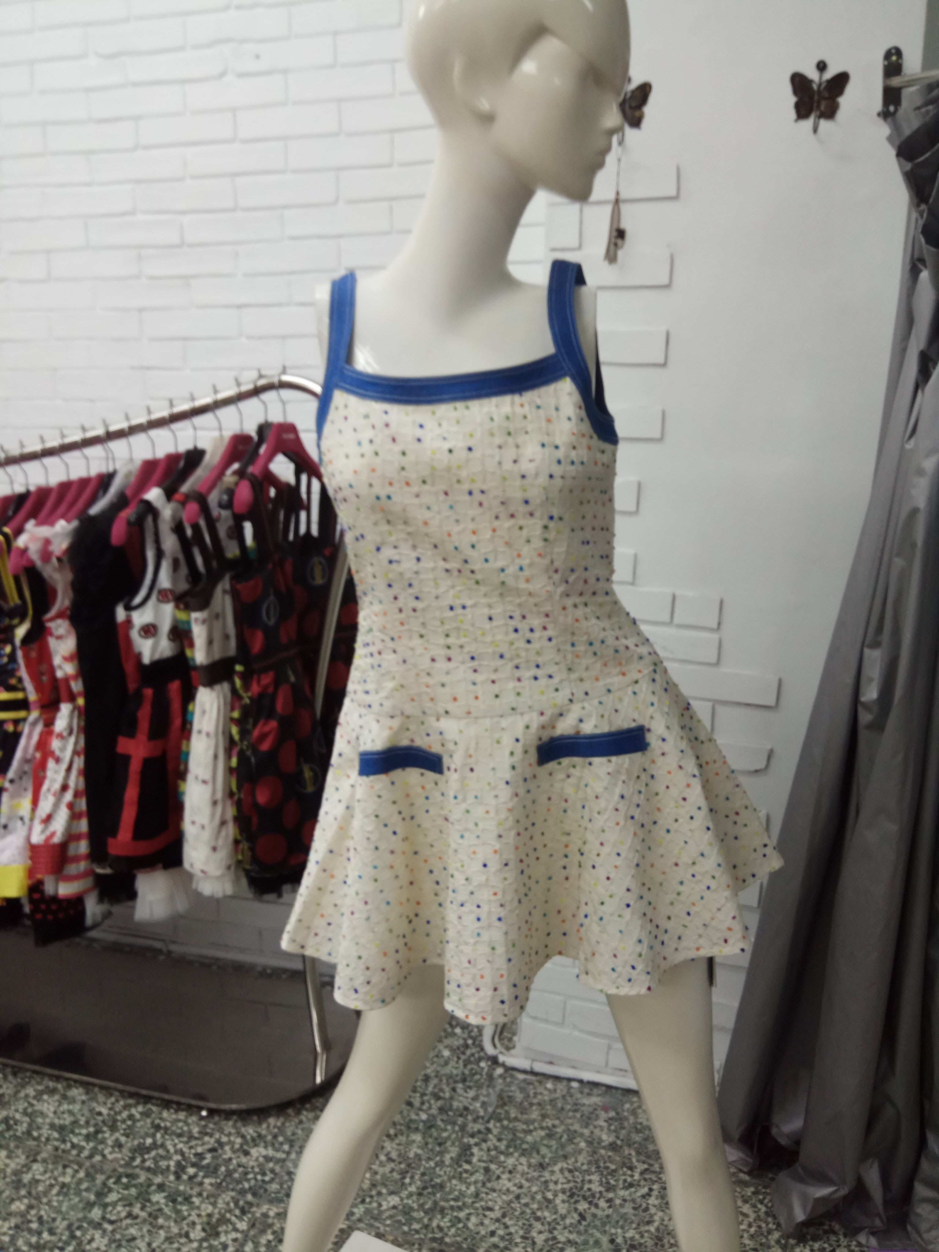 RoLa073白色M洋裝特價1800含運費