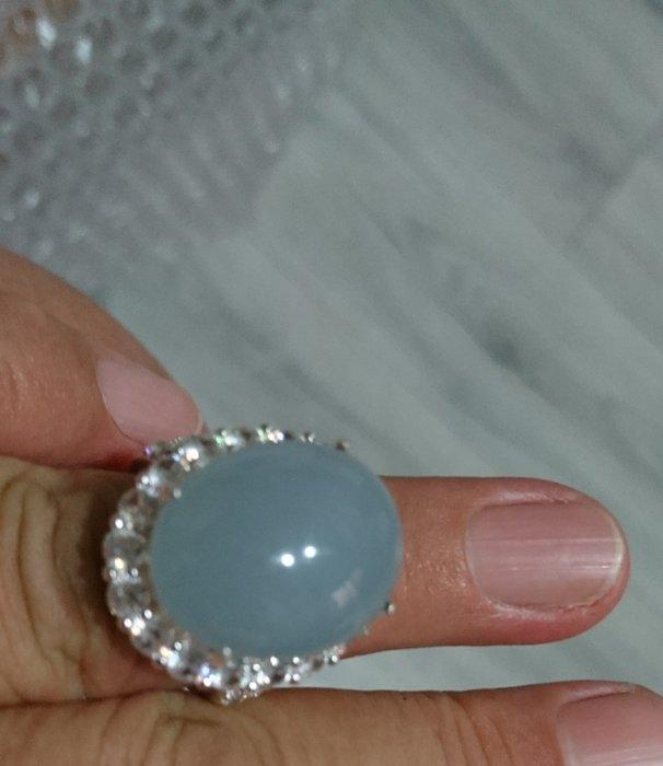 #紫羅蘭大顆厚實戒指19.3*15.2*厚約7mm無瑕。專賣緬甸a貨翡翠