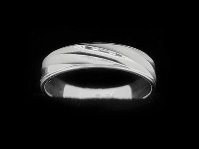 簡約美感造型白金戒