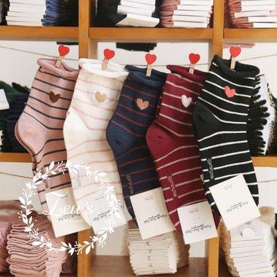 【ZEU'S】韓國新款條紋愛心中筒襪『 02119451 』【現+預】B