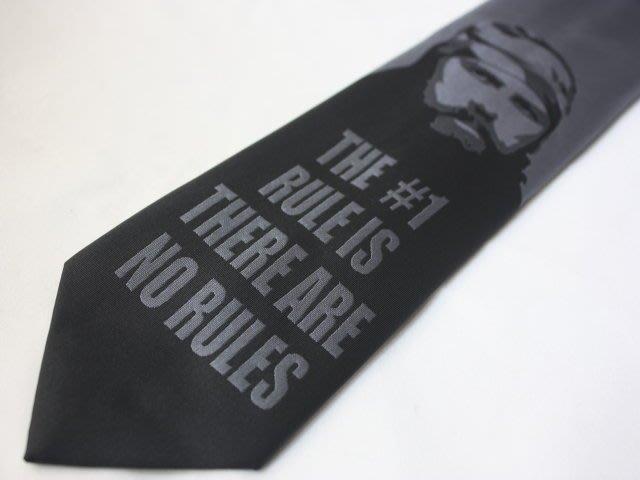 【DUCK DYNASTY】100%全新正品 人物圖紋領帶-黑灰色【寬版8.5cm】*領帶兩條95折三條9折*DD01