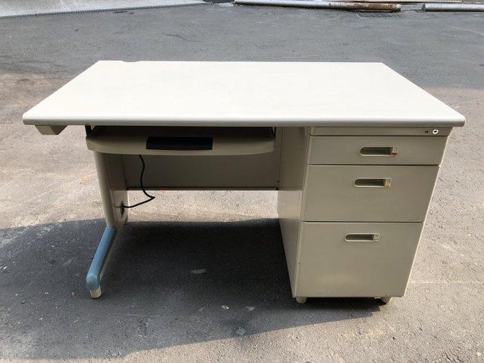 非凡二手家具 120cm右三屜辦公桌含文筆抽*主管桌*事務桌*工作桌*電腦桌*矮桌*會計桌*洽談桌*書桌*OA桌*鐵桌