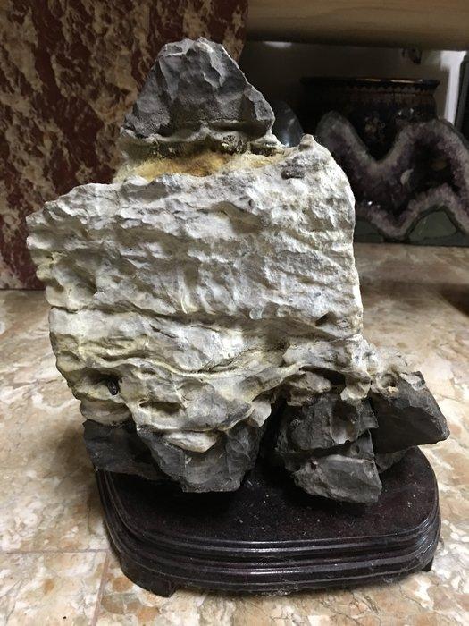 早期收藏天然礦石自然風化雅石-靈壁岩(三)太極