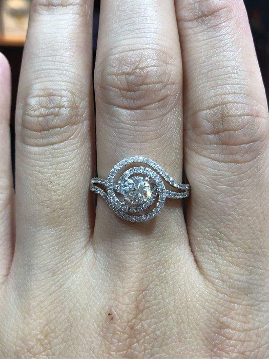 總重96分天然鑽石戒指,搭配香港進口手工戒台,主鑽53分搭配豪華配鑽,超值優惠價69800