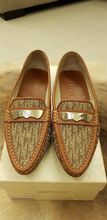 DIOR尖頭平底休閒鞋