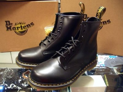 Dr. Martens 經典鞋款 1460原創8孔中筒靴  黑皮格黃線膠底 UK4 (US5)