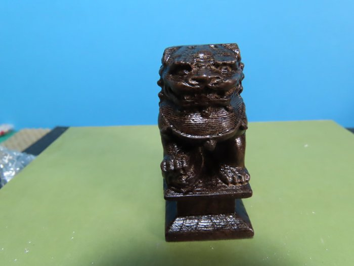 【競標網】高檔天然越南沉木雕招財獅座5.8公分高(超低價起標、價高得標、限量一件、標到賺到)