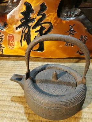禪風懷舊擺設 花藝 展場布景 日本鐵器 老鐵壺 純擺設品  2 出清 B02【每兩圖為一件】