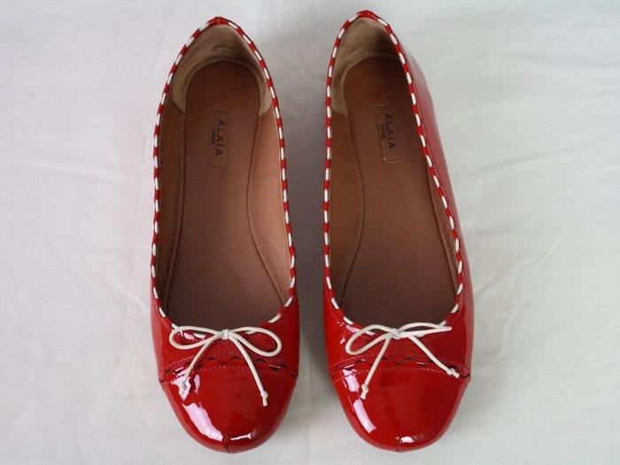 海洋工坊二手名牌旗艦店~ALAiA 紅漆皮娃娃鞋(Size:35)