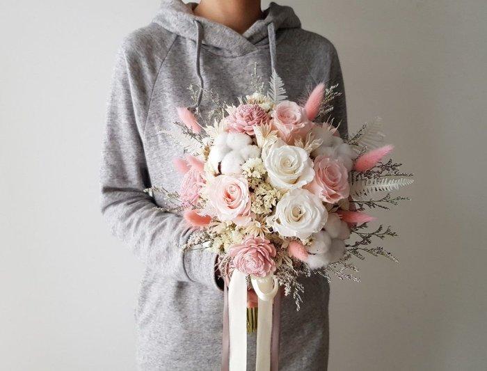 粉白色系。玫瑰永生花乾燥捧花。台北歡迎自取。西門【Flower&House花藝之家】