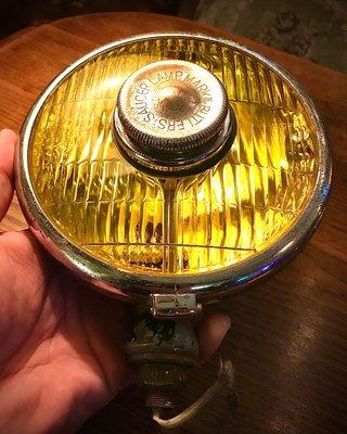 已售出 英國 50 年代 Butlers 汽車 霧燈 老車 老霧燈 摩斯燈 附夾具 mods mini 偉士牌 蘭美達 古董車 可參考