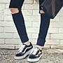 正品!VANS帆布鞋 權誌龍 範斯黑白經典款 板鞋 帆布鞋 運動鞋 休閒鞋 男鞋 Vans女鞋 範斯板鞋 運動滑板鞋