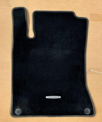 Benz W117 CLA250、CLA200、CLA45 12-18年 B180、B200、 原廠腳踏墊、原廠 地墊