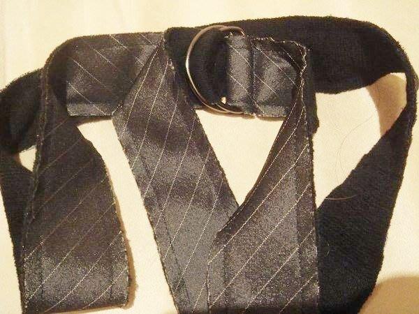 全新從未用過的呂芳智布面設計款腰帶,亦可變化做另類領帶,低價起標無底價!本商品免運費!