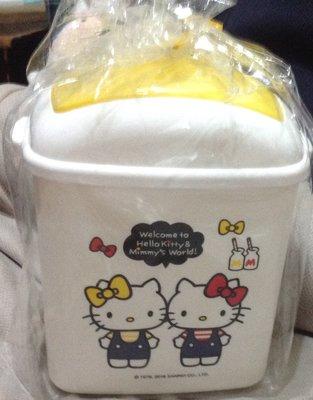 Sanrio三麗鷗㊣版 凱蒂貓 Hello Kitty雙胞胎方型置物筒 桌上筒 全新品