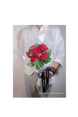 "New""濃烈的愛 玫瑰花束 ✨開賣價:999元 限量10束 原價:1790元 情人節花束 教師節花束 求婚花束 永生花"