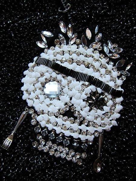 日本名牌包肩背包零錢包手提包方包裝飾假珍珠水鑚骷髏頭塑膠繩編織包【心生活美學】