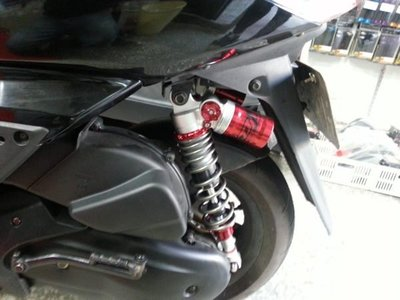 DJ1 六代 奧丁款 上下阻尼都可調 氮氣瓶 斜掛瓶 後避震器 新勁戰 二代勁戰 實裝圖 紅色款