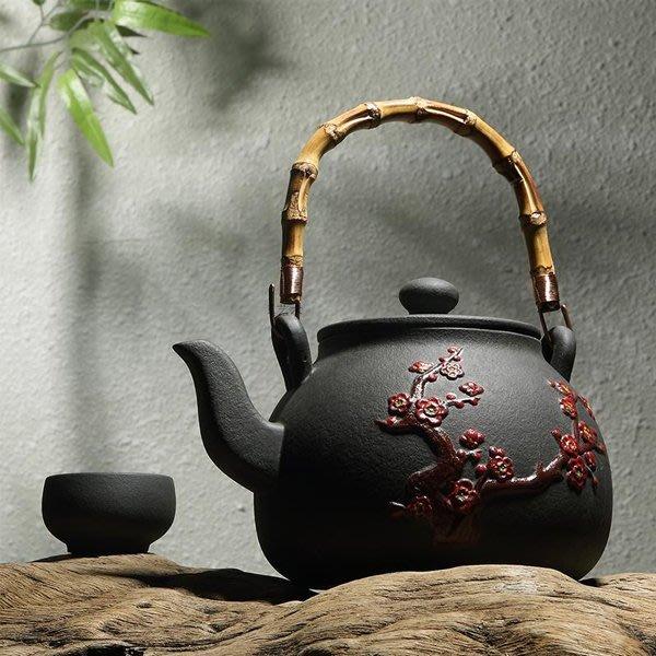 5Cgo【茗道】含稅會員有優惠 521392299318 功夫茶具火山石養生煮茶燒水壺手繪梅花竹提梁電陶爐專用燒水陶壺