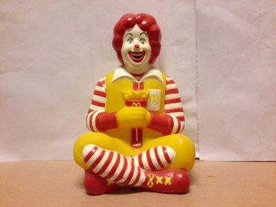199O年  麥當勞叔叔公仔錢箱一個