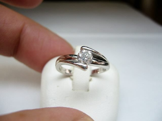 [吉宏精品交流中心]35分 南非天然鑽石 白k金 戒指(公關生日禮物)