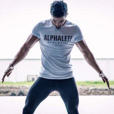 肌肉兄弟運動健身T恤圓領型男運動健身棉短袖休閑T恤彈力吸汗上衣—莎芭
