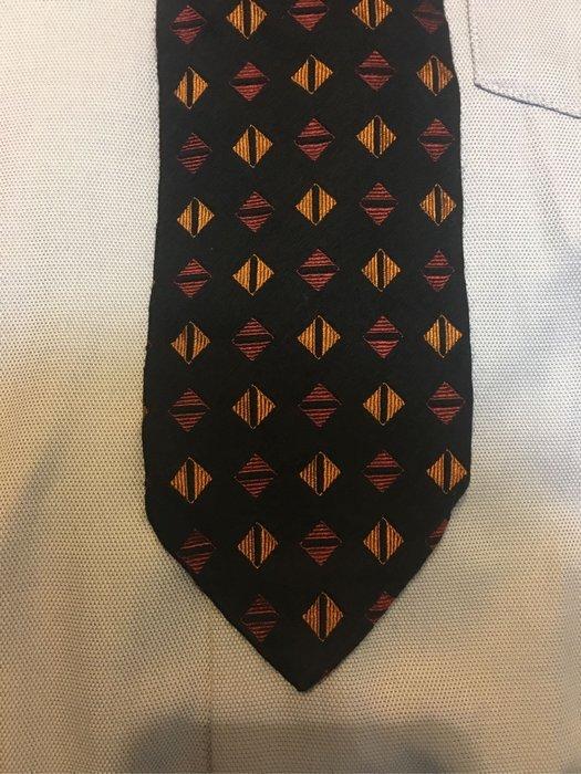 BOSS 意大利質絲質領帶 9.5成新正品 特賣會開跑