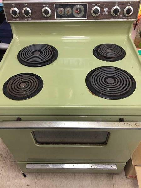 [ Atelier Smile ] 古董 美國製造 奇異 美式獨立式插電 大型四口爐 復古綠 可正常使用