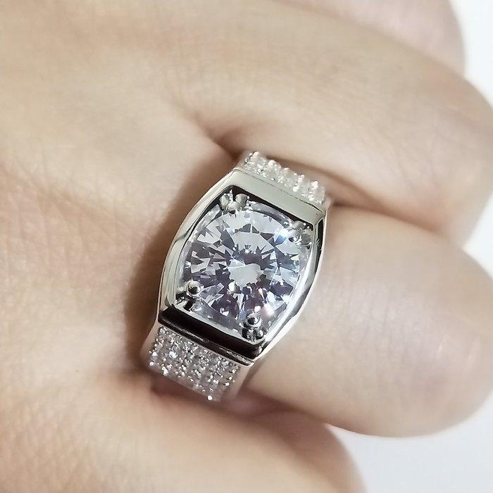鑽戒滿鑽微鑲鑽戒925純銀鍍鉑金指環 鑲嵌高碳鑽4克拉男士戒指 精工寬版高碳仿真鑽石莫桑鑽寶特價優惠歡迎來圖訂做