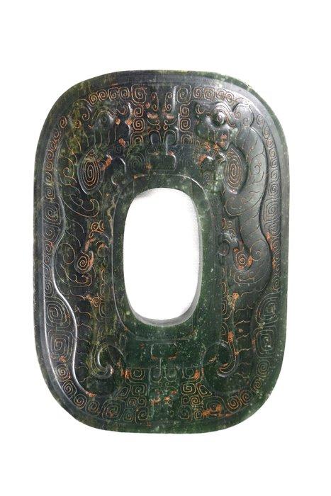 《博古珍藏》天然和闐碧玉.淺浮雕螭龍紋玉璧.690公克.早期收藏.老件文物.感恩特賣.超值回饋