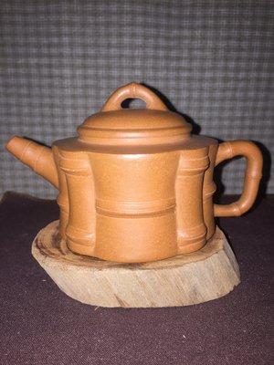 早期紫砂壺—竹段款式,泥料:黃金老段,10孔出水,容量約200CC