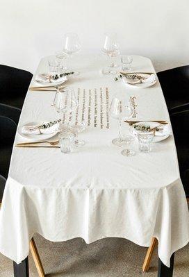 MOR 北歐風簡約棉麻燙金英文字母質感桌巾 餐桌巾 桌布 拍攝道具 背景布 家飾 灰色 136*180