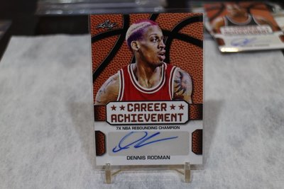公牛隊~Dennis Rodman 七次籃板王/Career Achievement 2016 Leaf 簽名 DR4
