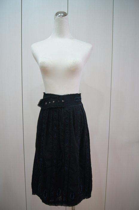 Easton Pearson  黑色腰帶刺繡裙    原價  35200     特價  5000