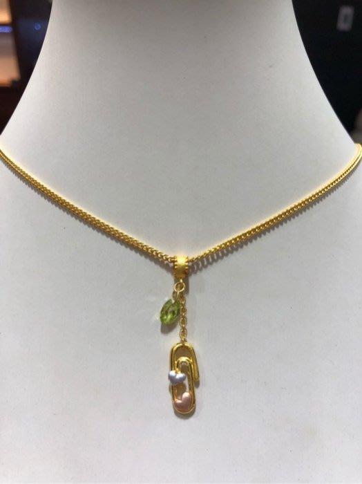 黃金項鍊墜飾,搭配綠色施華洛世奇水晶,2Sweet甜蜜約定專櫃品牌,超值優惠價5480元,附上原廠禮盒,工資比專櫃更便宜