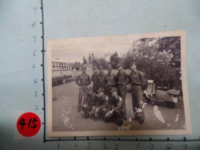 國軍,軍人,(偉士牌機車) 古董黑白,照片,相片14**稀少品