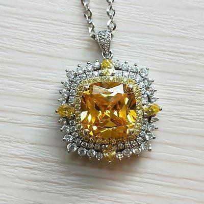 金鵝黃鑽項鍊墜子鑽飾歐美專櫃純銀項鍊 高檔微鑲飾品 5克拉高碳鑽石精工定制鉑金18K 高碳仿真鑽石 莫桑鑽寶媲美真鑽鉑金質感
