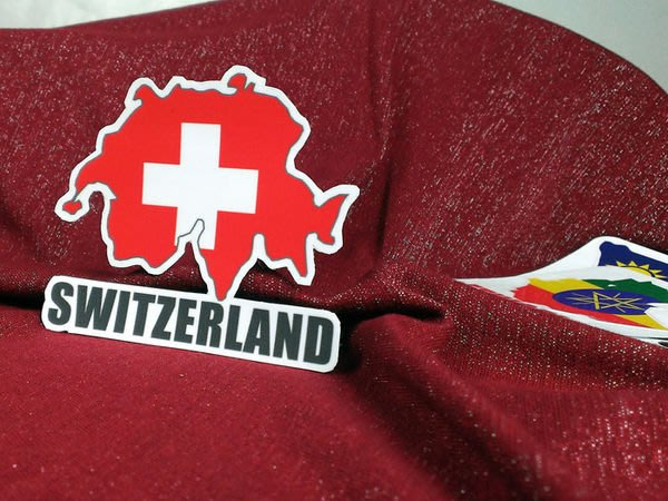 【國旗貼紙專賣店】瑞士國旗地圖抗UV、防水旅行箱貼紙/多國款可收集和訂製