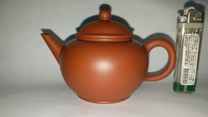 宜興惠孟臣製款高身標準壺