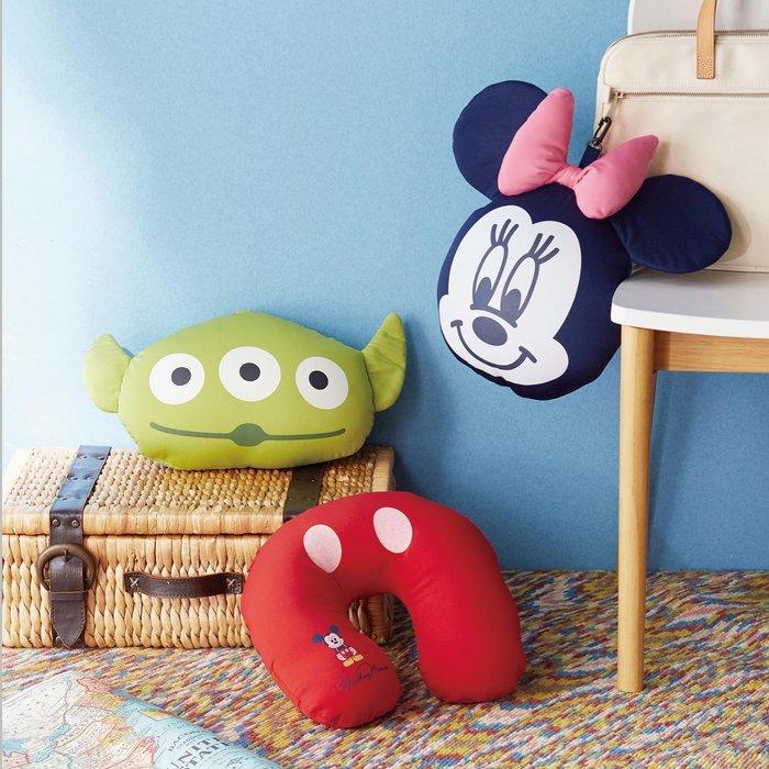 迪士尼Disney《預購》出遊必備 頸枕 U型枕 抱枕~米奇 米妮 三眼怪~日本正品~共3款~心心小舖
