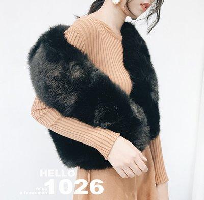 ++1026++歐美名媛款 狐狸毛披肩 兔毛毛絨毛海仿皮草 合身寬鬆 無袖罩衫馬甲 保暖厚度 短版黑色毛毛背心