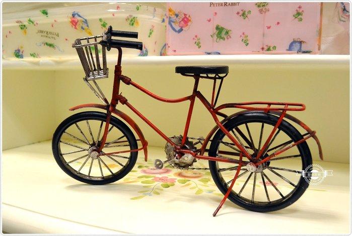 復古手工鐵皮仿舊紅色腳踏車金屬模型 另有鋁合金古董自行車收藏淑女車飛機偉士牌蒸汽火車ET8公路車【【歐舍家飾】】