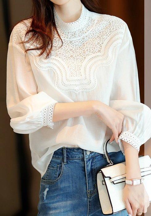 歐單 2020新款 法式珍珠白 鏤空蕾絲 氣質弧線小立領 宮廷風燈籠袖 輕盈夢幻白襯衫 (G1080)