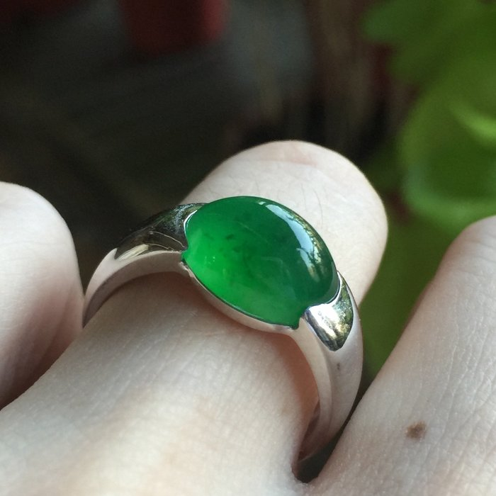 喜歡來撩😁🌸翡麗寶盒🌸翡翠A貨冰種老坑綠厚實18K個性台戒指
