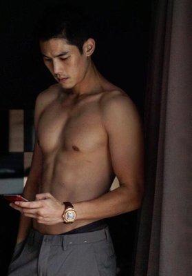 香港男按摩師,上門按摩服務,酒店按摩 WeChat:hkale168