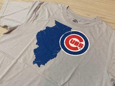 JFK 美國 MLB 芝加哥小熊隊 CHICAGO CUBS 官方正版T恤 灰/LOGO配色