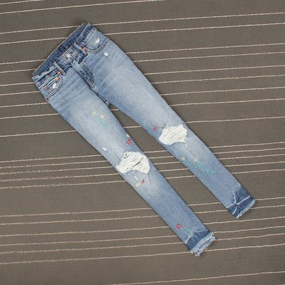 淺藍色薄款繡花破洞扎染毛邊直筒牛仔褲女九分褲